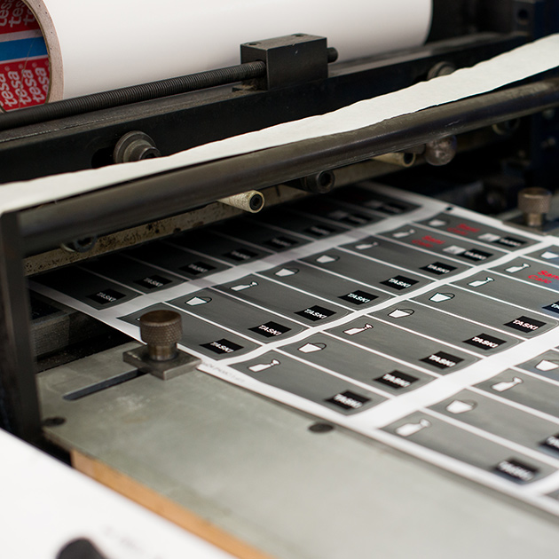 Label die cutting
